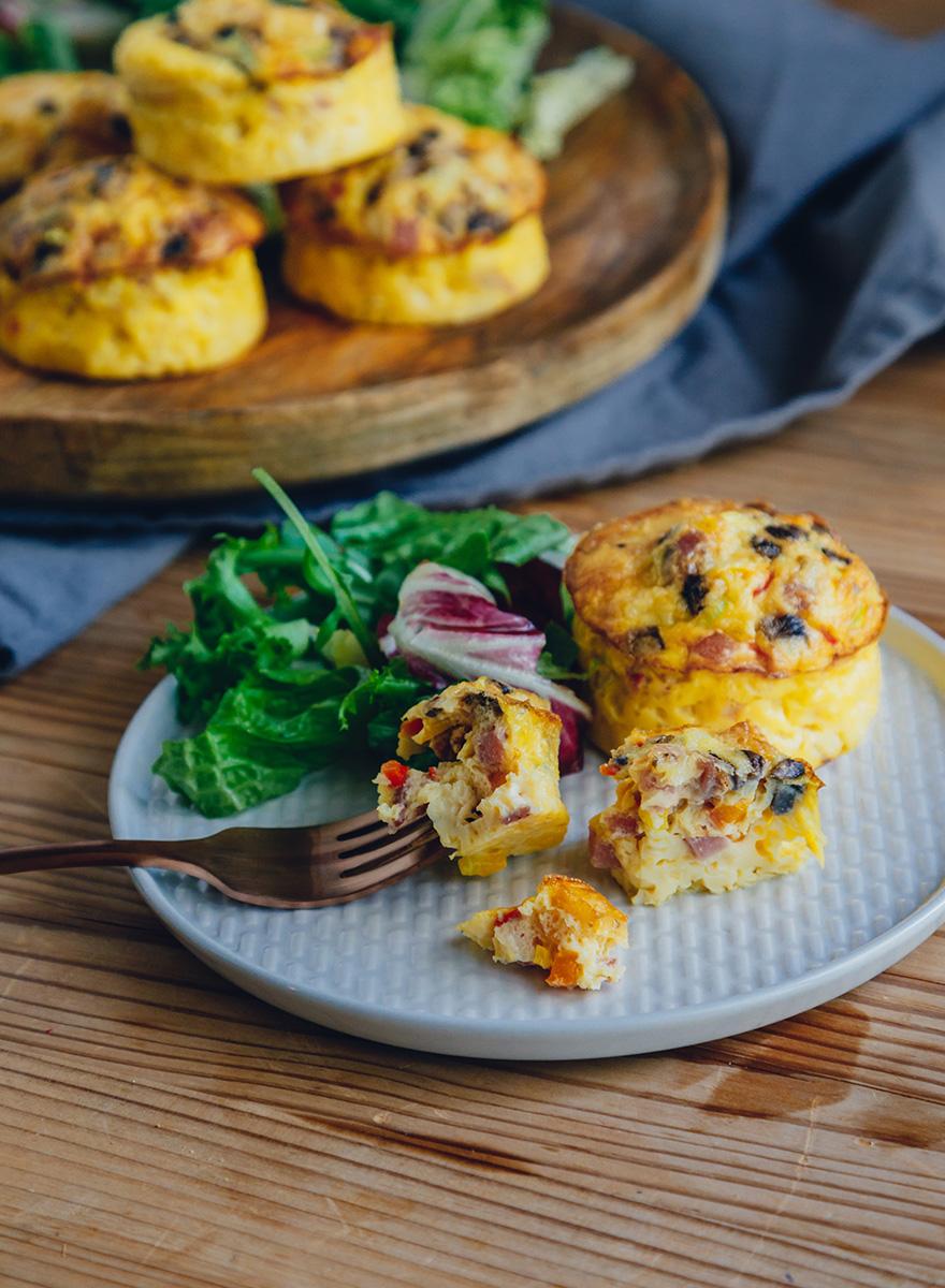 Μίνι ομελετίτσες φούρνου με Creta Farms αλλαντικά και πατάτες