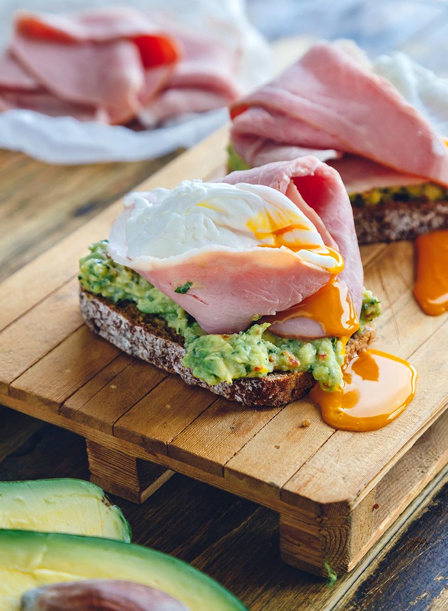 Avocado toast with Gourmet En Elladi ham and poached egg