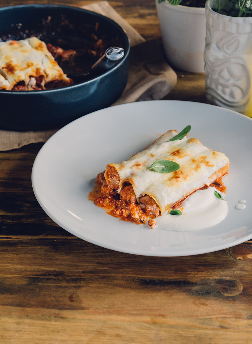 Cannelloni with En Elladi pork ragout and ricotta cheese