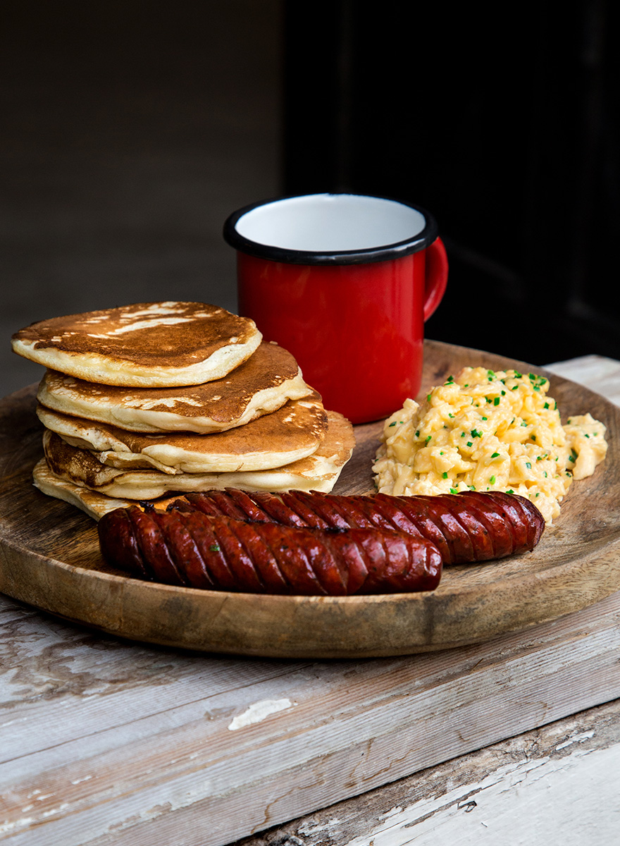 Salty pancakes with Sfakiana sausages and Scrambled eggs